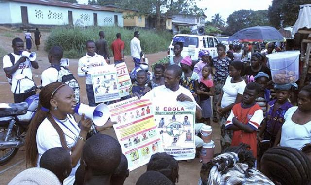 Social mobilizers raise awareness of Ebola prevention and treatment